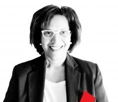 Simone Maria Da Conceicao cross hub